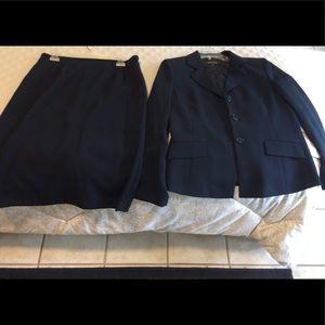 Kasper navy blue suit
